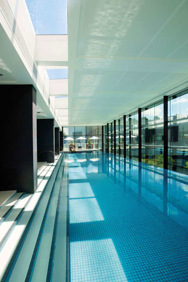 Crown Metropol Hotel & Accommodation - Melbourne